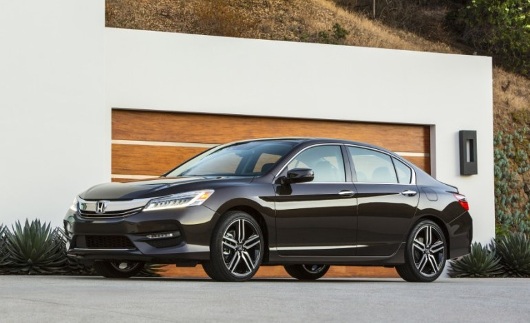 2016-Honda-Accord-Touring-1