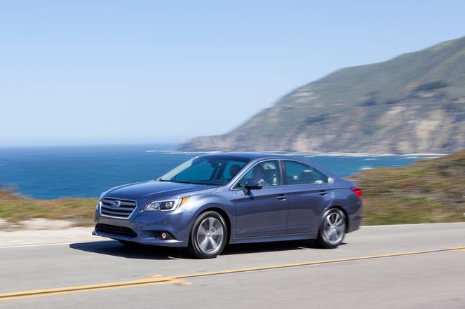 2016-Subaru-Legacy-fornt-three-quarter-in-motion