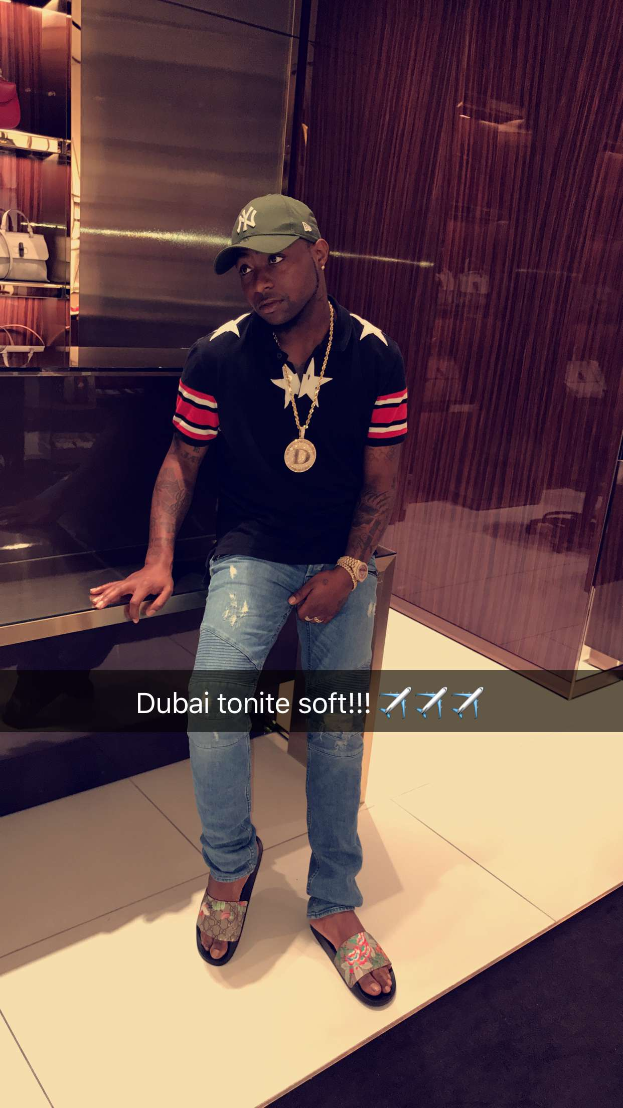 7d4b21d2202 Davido lavishes money in a Gucci store