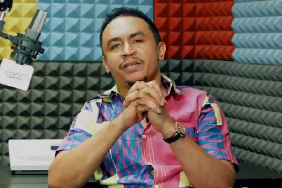 Video: Pastor lays death curse on popular OAP Daddy Freeze over Tithing Controversy