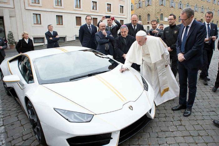 Vatican-Pope-Lamborghini-e1510755581272