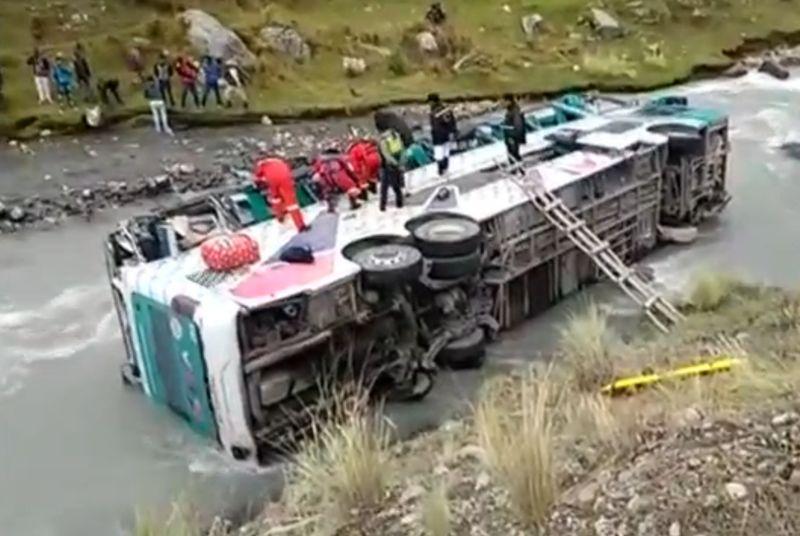 peru_bus_crash_0904