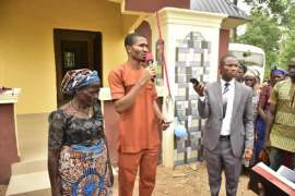 Obinna-Eke-speaking-on-his-friendship-with-late-Joshua- donating house to family