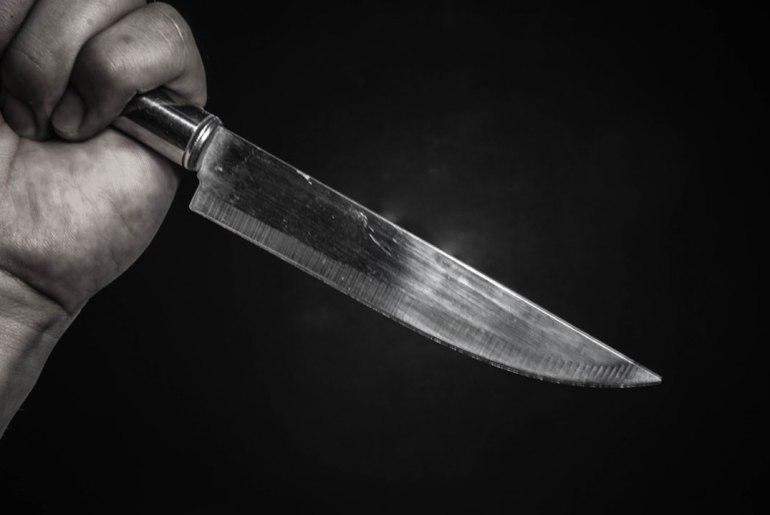 knife for stabbing girlfriend