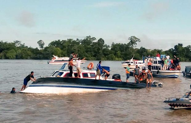 13-dead-as-boat-capsizes-off-indonesias-sulawes