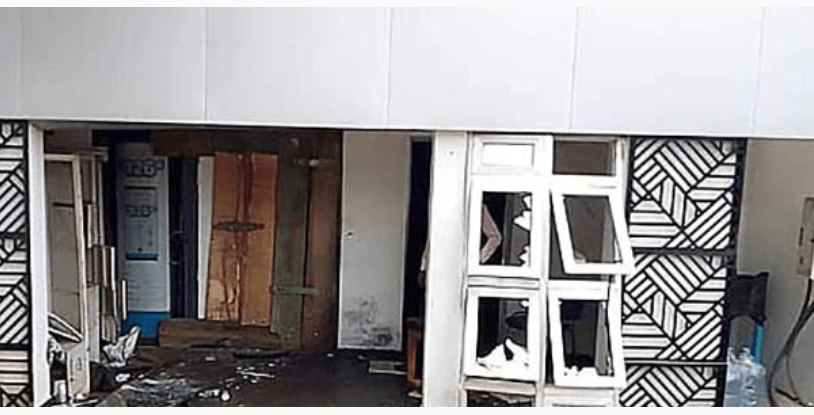 Screenshot_2019-01-24 Armed robbers attack bank in Osun