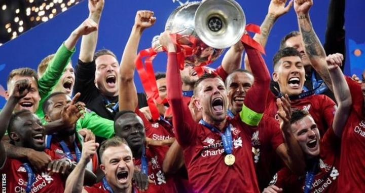 _110110615_liverpool_trophy_reuters