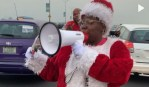 Teni Entertainer dressed as Santa spotted on 3rd Mainland bridge