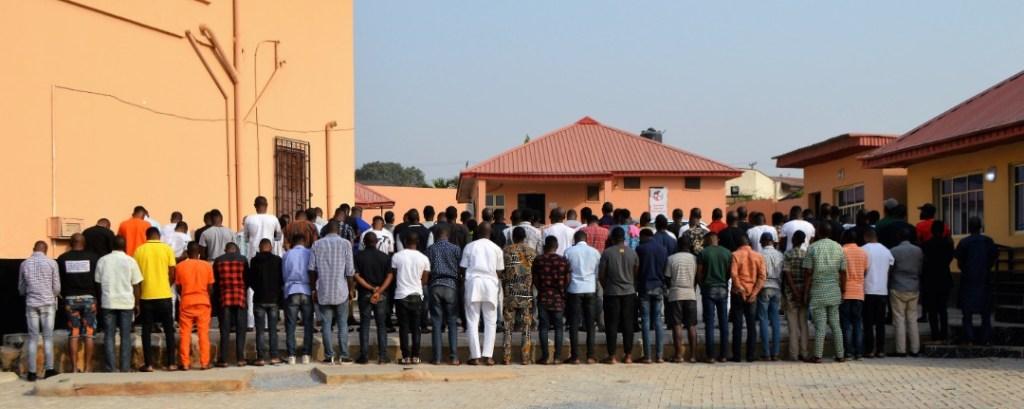 EFCC Arrests 89 Yahoo Boys in Ibadan Night club