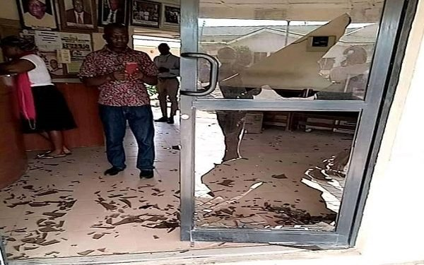 SHOCKING! FMC Lokoja Attacked as Gunmen cart away Hospital Records, Computers Kogi