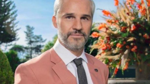 Amputaron una pierna a Juan Pablo Medina? Actor de 'La Casa de las Flores' sufrió trombosis | Heraldo USA