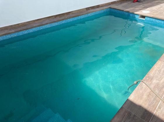 piscina_construccion_herederos_basilio_retortillo_montehermoso_extremadura_alicatado_gresite_baño_verano