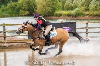 Harriett Beaumont riding Dawn Pardoe's Annaghmore Bonita who go on to win the 2*