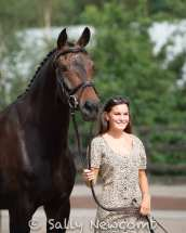 Annie Keir & BRUTUS G before the trot up