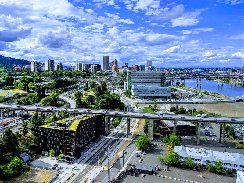 Portland Travel Guide: Portland, Oregon City View