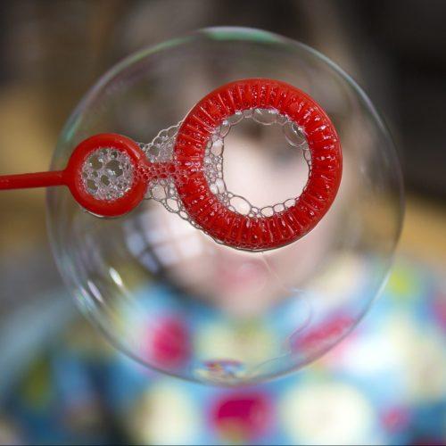 soap-bubble-439103_1920