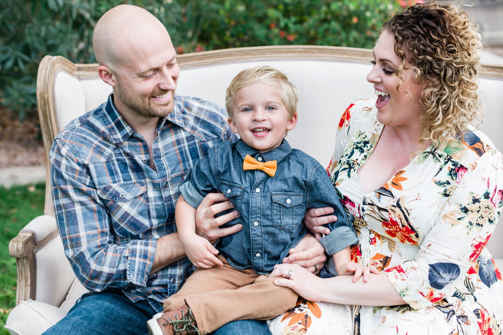 Navy Blue Mustard Yellow Outfit Inspiration for family pictures