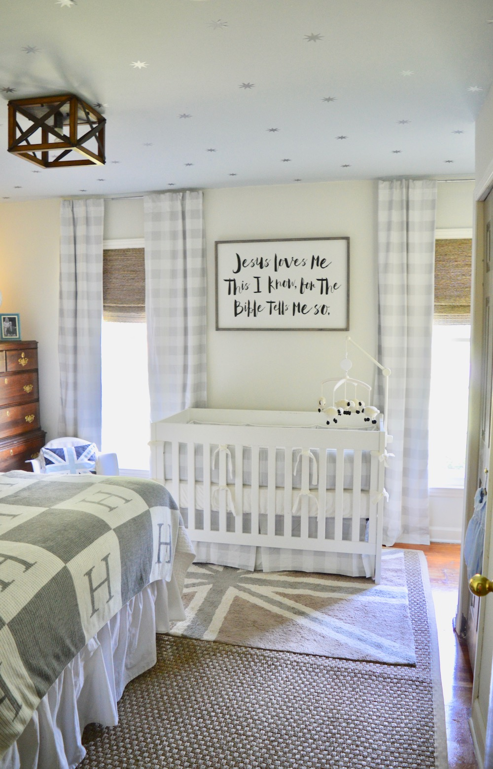 neutral nursery paint color
