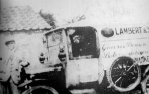 AOS P 1833 lambert and kisbys delivery van, the first motorised delivery van in the deepings model ford t left hand drive. 1911