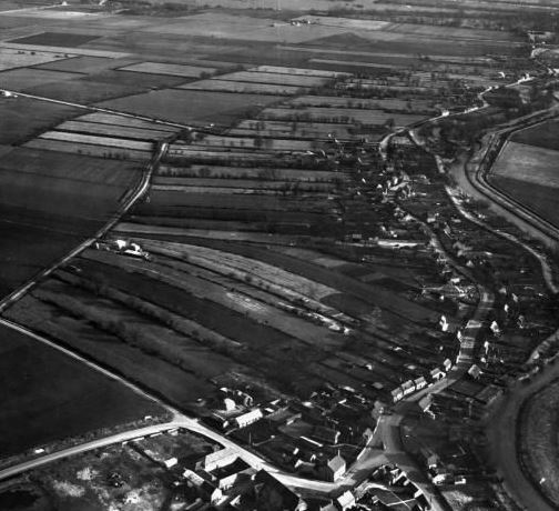Aerial photo of Eastgate, Deeping St James 1949
