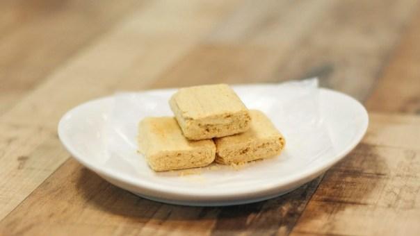 handmade-pounded-peanut-candy