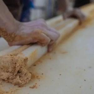 handmade-gong-tang-wrapping-processes