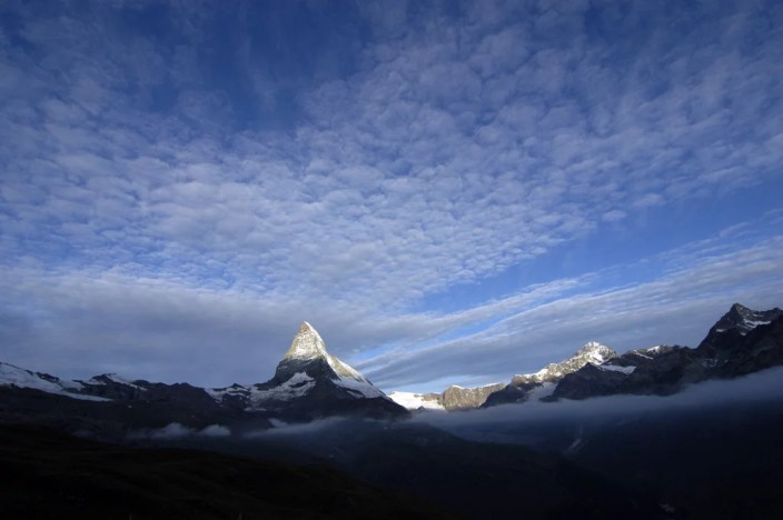 Early_light_at_Matterhorn__Wallis__Switzerland_12