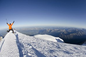 Mont_Blanc_Summit_Jump_26