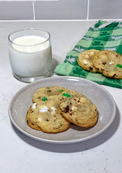 Mint M&M Oreo Cookie with Milk