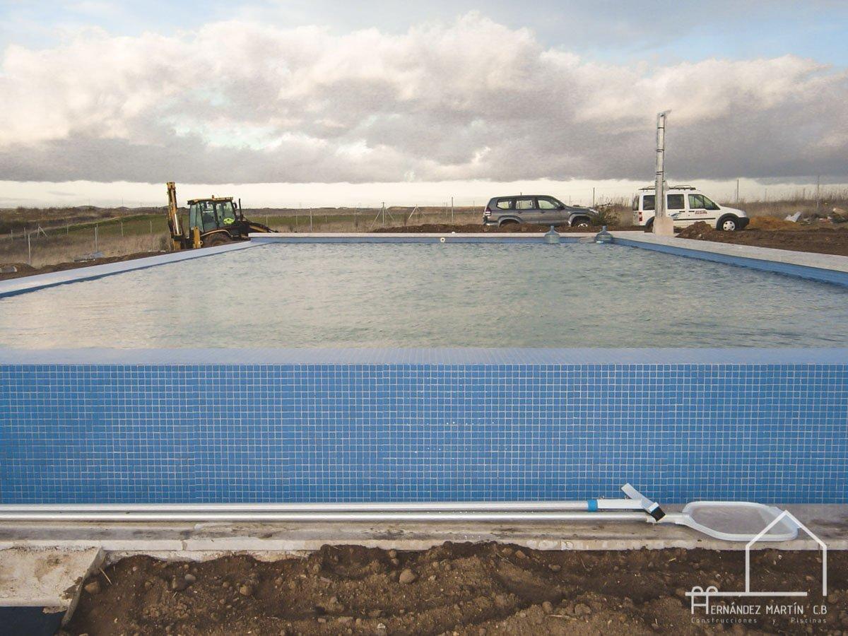 hernandezmartincb-experiencia-construccion-piscinas-moderna rectangular-zamora-13