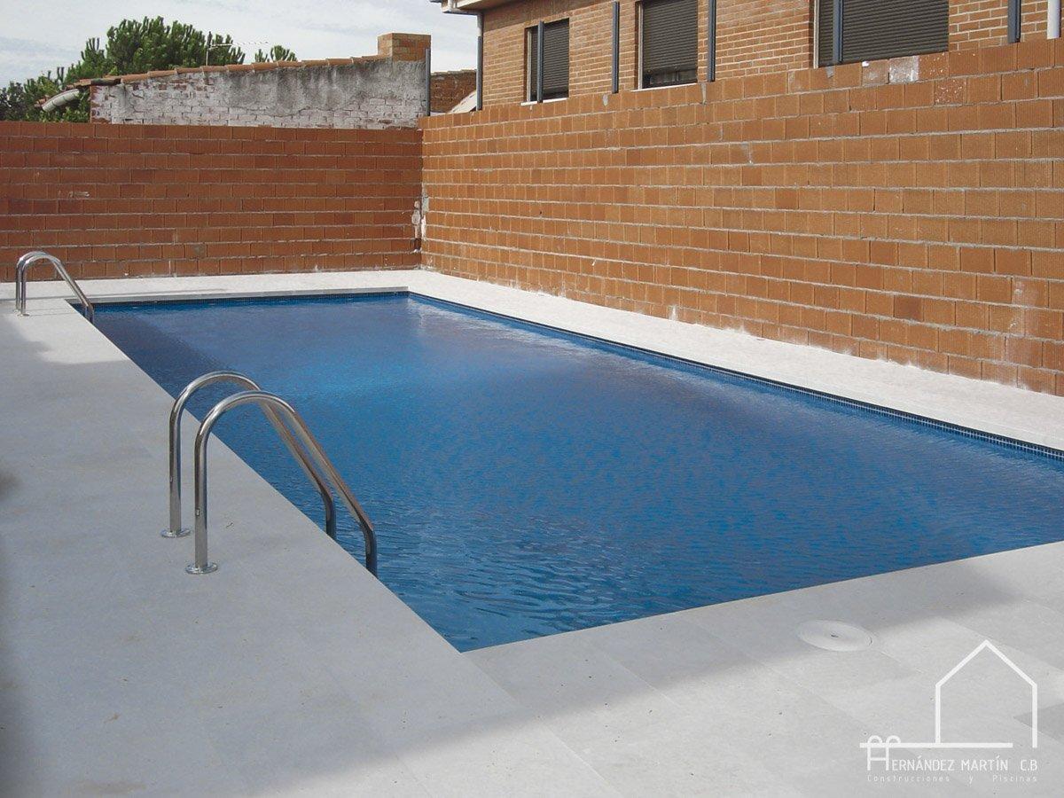 hernandezmartincb-experiencia-construccion-piscinas-moderna rectangular-zamora-14