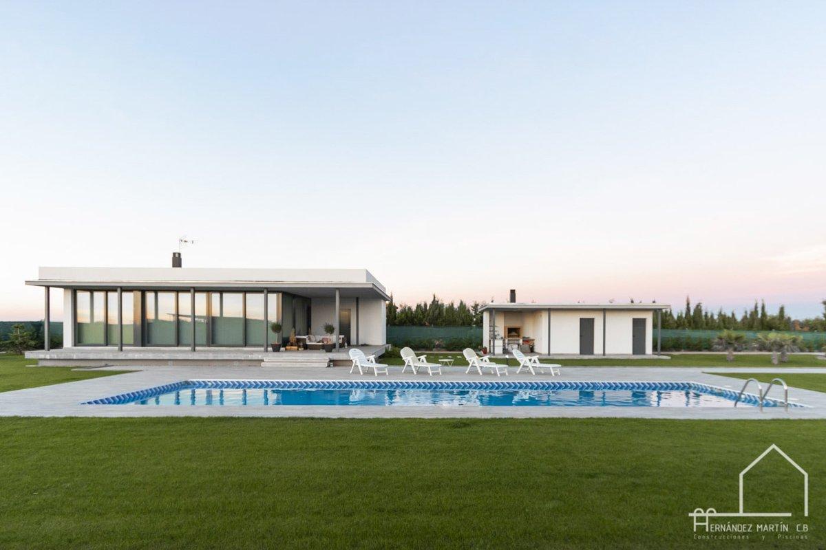 hernandezmartincb-experiencia-construccion-piscinas-moderna rectangular-zamora- (3)