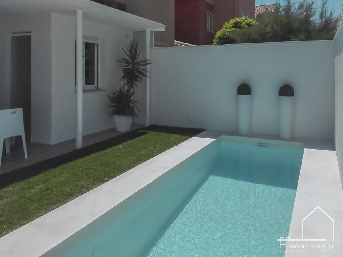 hernandezmartincb-experiencia-construccion-piscinas-moderna rectangular-zamora-6