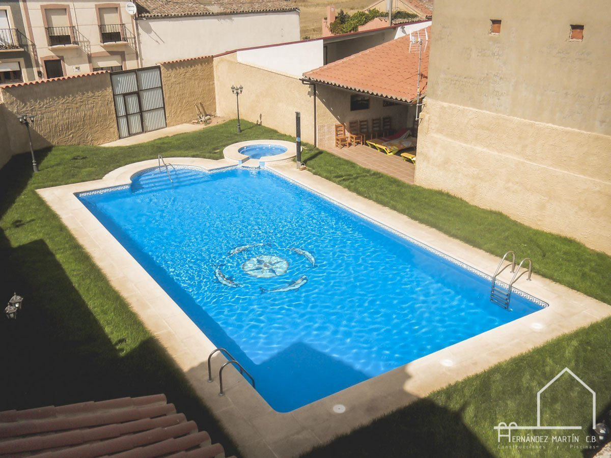 hernandezmartincb-experiencia-construccion-piscinas-tradicional rectangular-zamora-2