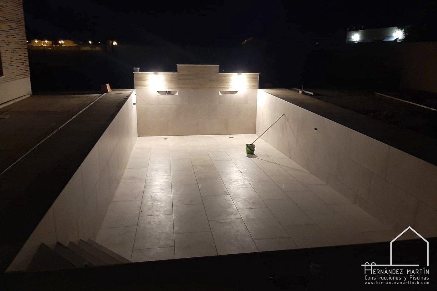 hernandez martin construcciones y piscinas experiencia obra piscina moderna plaqueta baldosa zamora salamanca valladolid