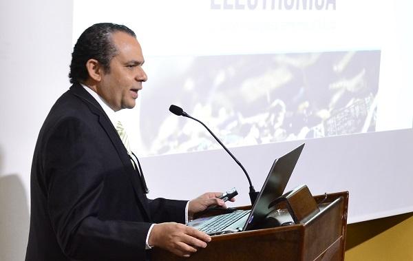 Hernan Urbina Joiro, escritor de Colombia, escritores de Colombia, ensayista colombiano