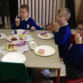 First, we chose where to sit with our friends, then used a napkin to protect our clothes and catch any crumbs.