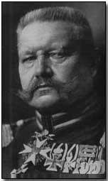 Le maréchal Paul von Hindenburg, héros de Tannenberg
