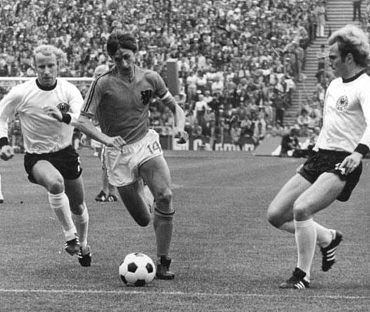 Johan Cruijff lors de la finale du Mondial 1974 entre Allemagne Fédérale et Pays-Bas