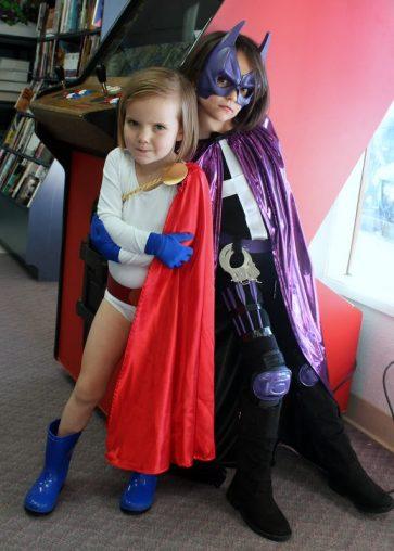 Stella and Anya at Empire's Comics Vault