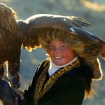 """""""The Eagle Huntress"""" Overcomes 2,000 Years of Male Tradition"""
