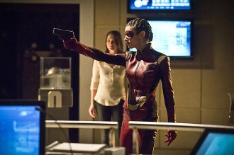 "The Flash -- ""Trajectory"" -- Image FLA216b_0046b -- Pictured (L-R): Violett Beane as Jesse and Allison Paige as Trajectory -- Photo: Katie Yu/The CW -- © 2016 The CW Network, LLC. All rights reserved."
