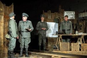 Das Theaterstück Die Brücke wird am Originalschauplatz aufgeführt.