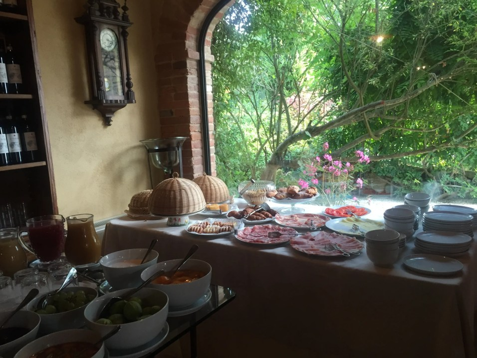 Breakfast at Villa Cicolina