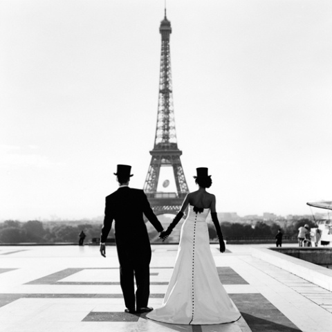 Eiffel Wedding Picture