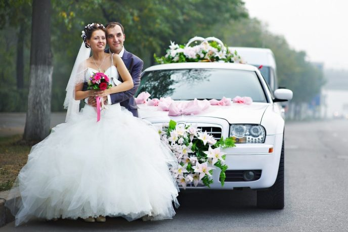 Renting a wedding limo - 5 things you need to know to do it right