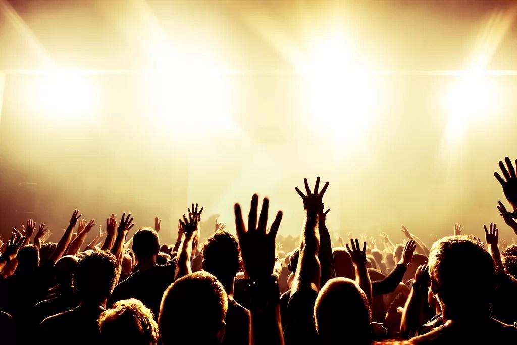 Perbedaan Praise dan Worship
