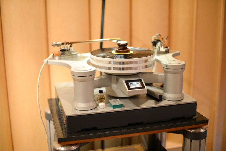 TS-140 with Turntable - Mike Levigne