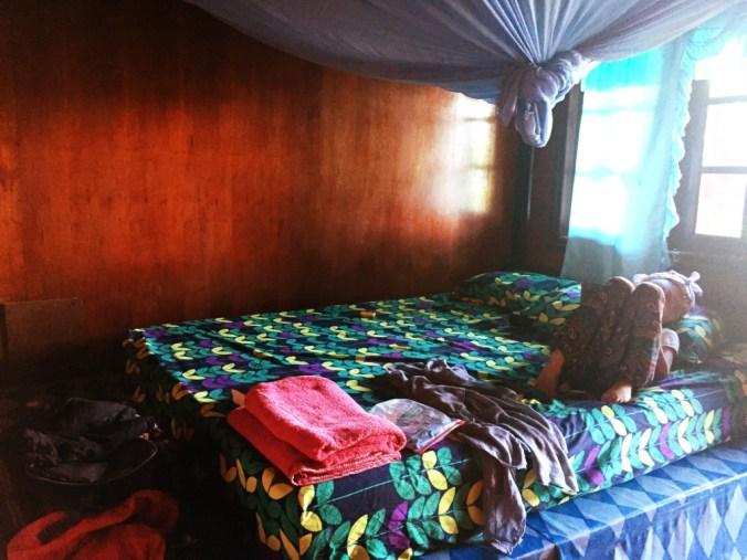 Innen Bungalow Bett mit Moskitonetz