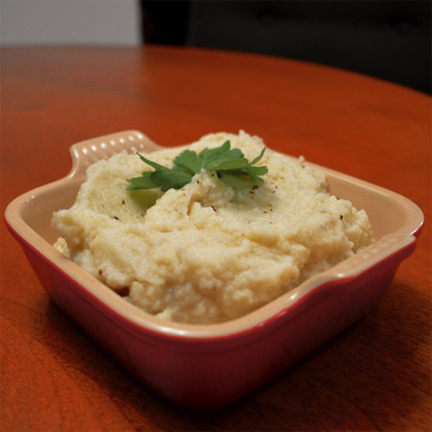 Garlic-Infused-Mashed-Cauliflower